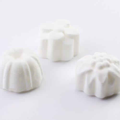 panetti sfusi di deodorante solido Atelier Nativa alla salvia e limone
